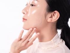 面膜触感竟像隐形眼镜超服贴!隐眼保存液保湿技术脸用更水润